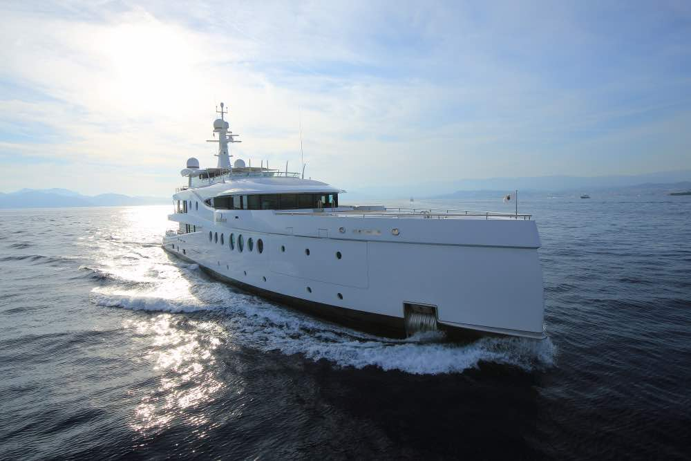 Madame Kate: Ultra lujoso & galardonado súper yate de 60 metros por AMELS