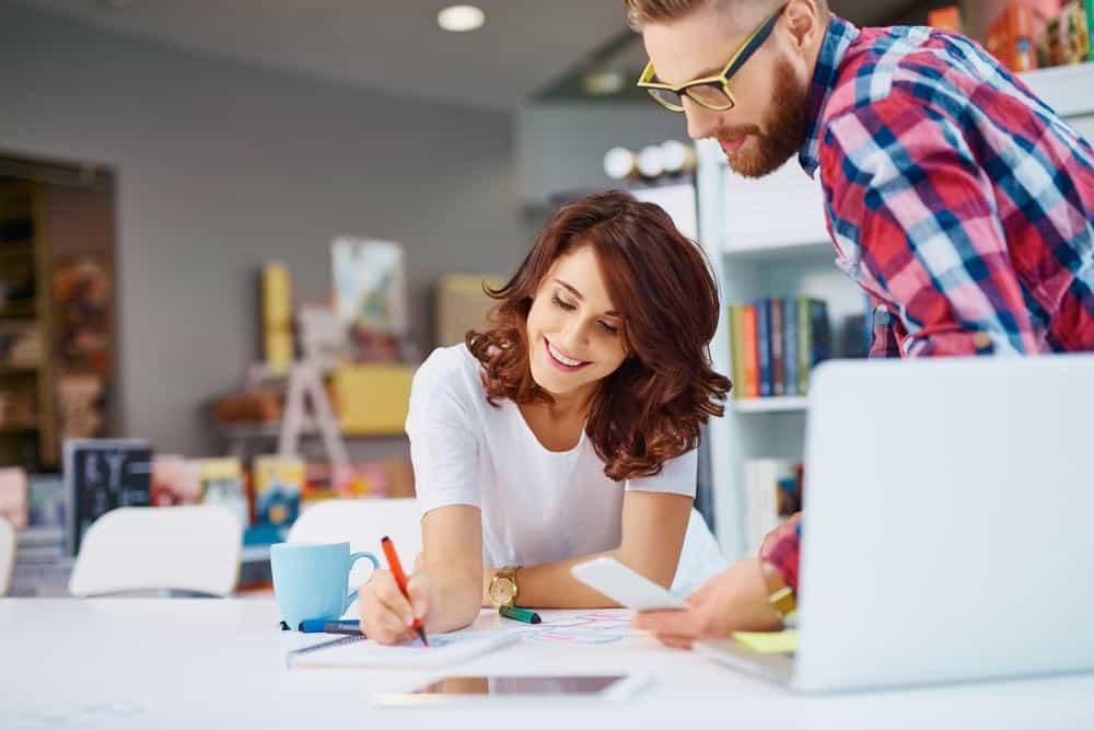 Salarios de mujeres en las clases creativas laborales
