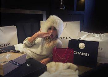 Clarisse Lafleur es una niña consentida que gasta más dinero en viajes, ropas y accesorios de lo que muchos ganan durante todo un año