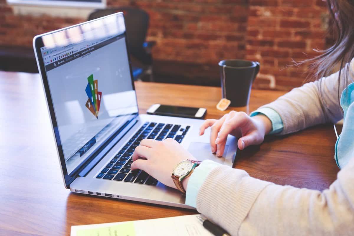 Seis diferentes maneras de ganar dinero en la internet