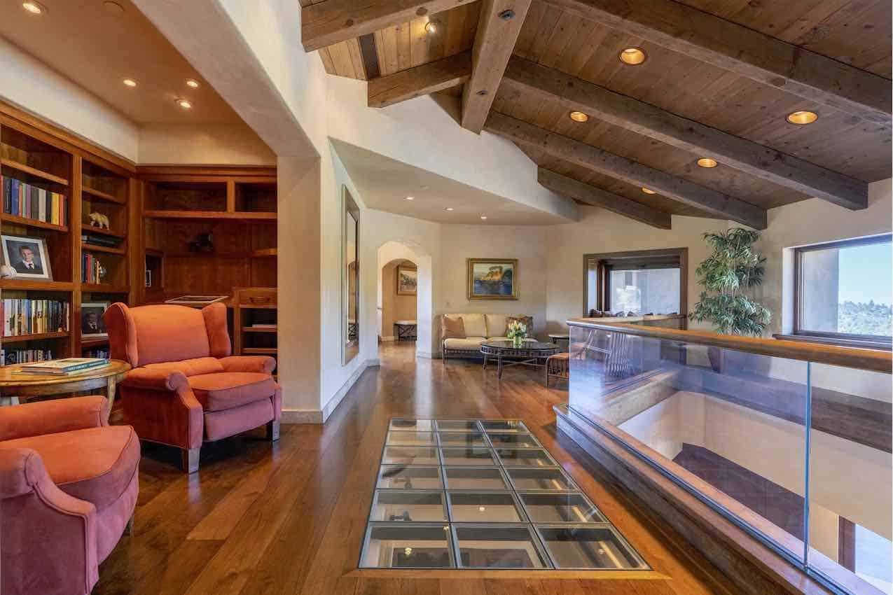 El multimillonario tecnológico Scott McNealy, acaba de poner su lujosa mega mansión de Palo Alto, California por $100 millones