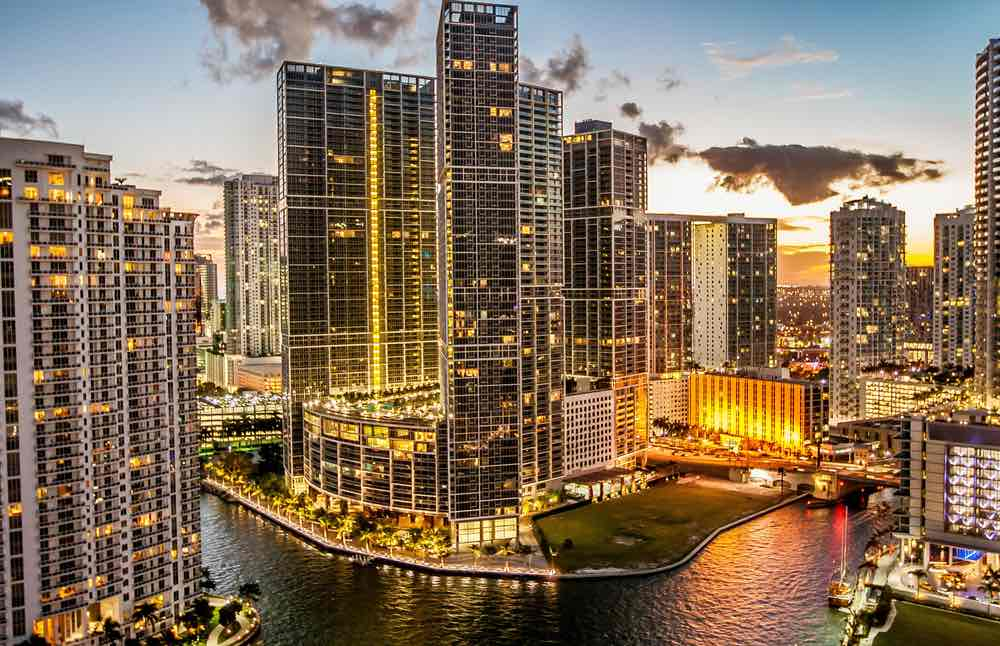 )Miami downtown (brickell)