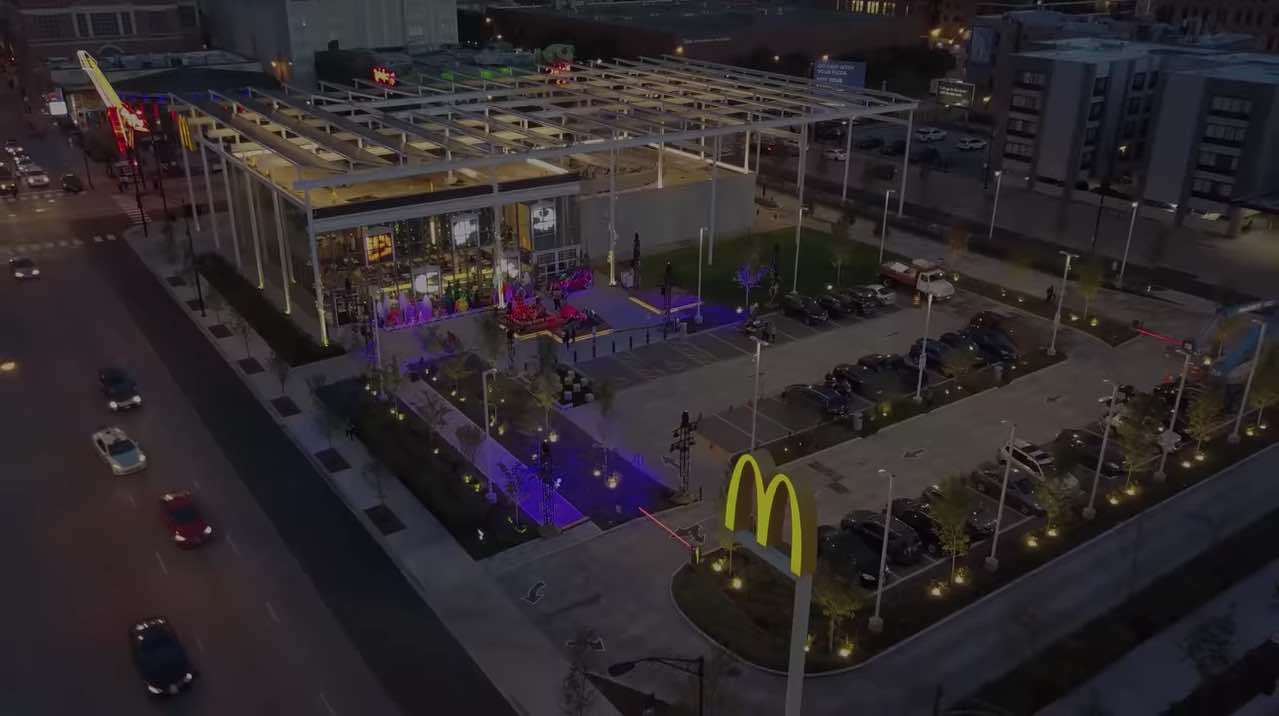El restaurante insignia de McDonald's ofrecerá un espectáculo de luces sin igual para celebrar Halloween durante el mes de octubre