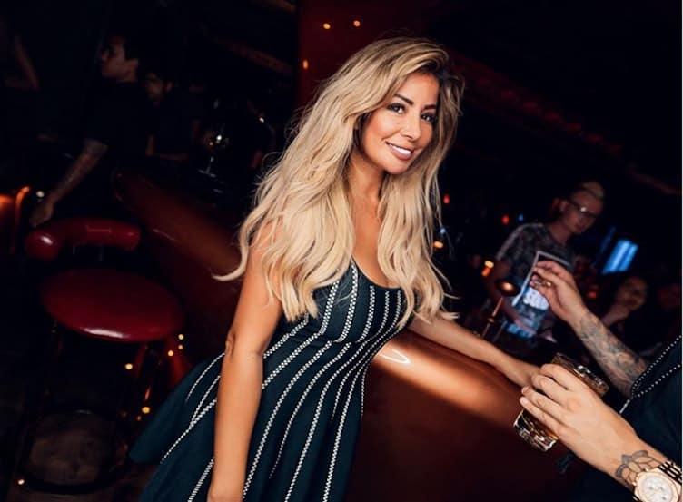 """¡Sólo en Dubai! Ultra exclusivo club nocturno """"Secret Room"""" deja a los clientes súper VIP conducir sus superdeportivos hasta dentro"""