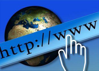 ¡Claro que sí! Usted podría convertirse en un millonario vendiendo el adecuado dominio de internet