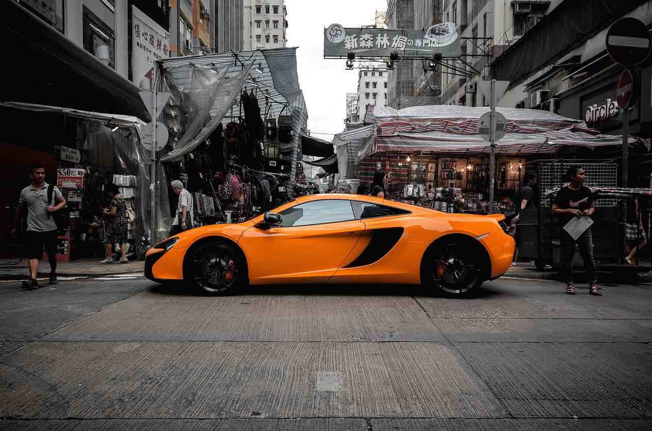 McLaren en las calles de Hong Kong