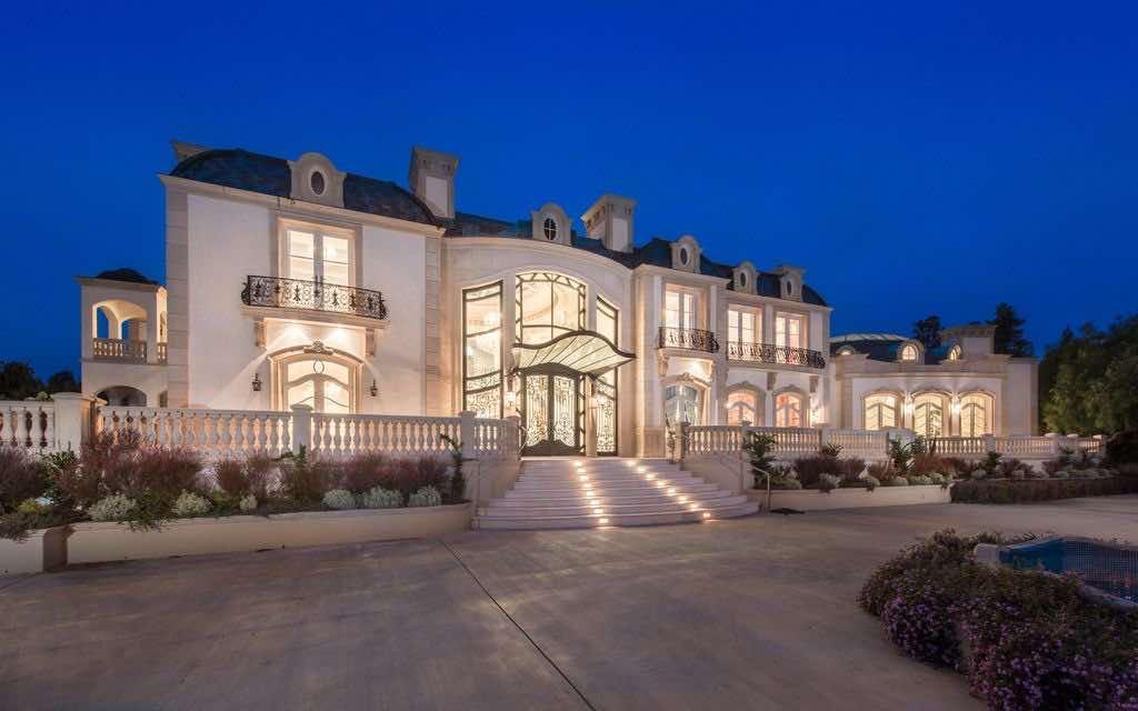 Mega espectacular mansión a la venta por $80 millones en Beverly Hills, California apta para la realeza