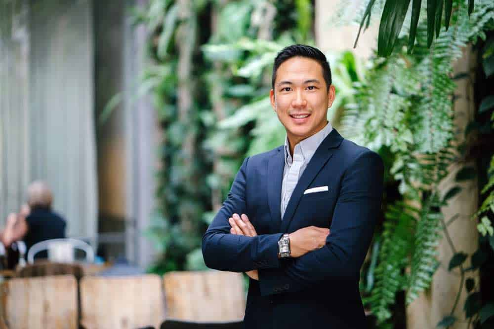 Joven empresario asiático