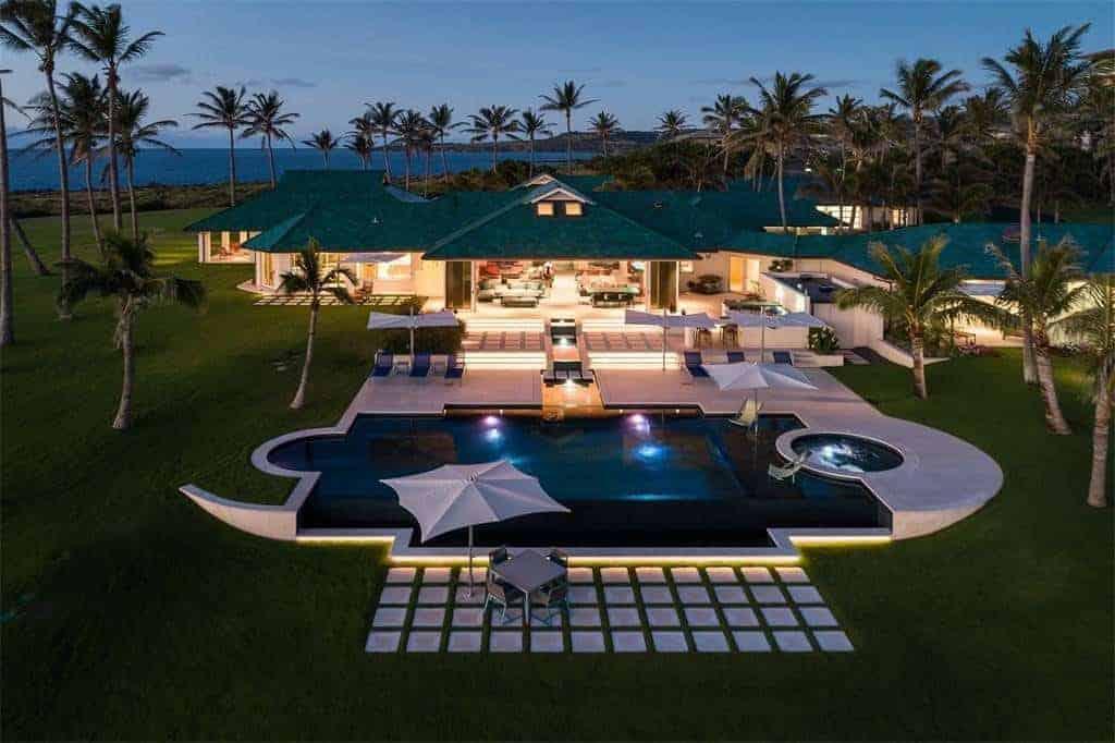 Esta increíble propiedad frente al mar de $49 millones en Kapalua, Maui, es la materia de los sueños