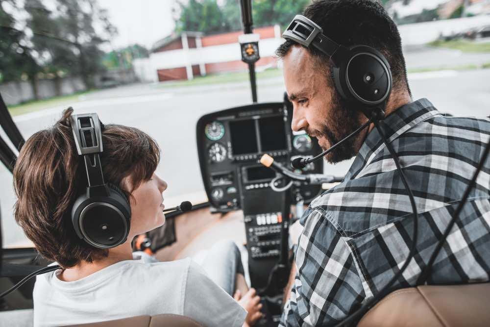 Padre e hijo en Helicóptero