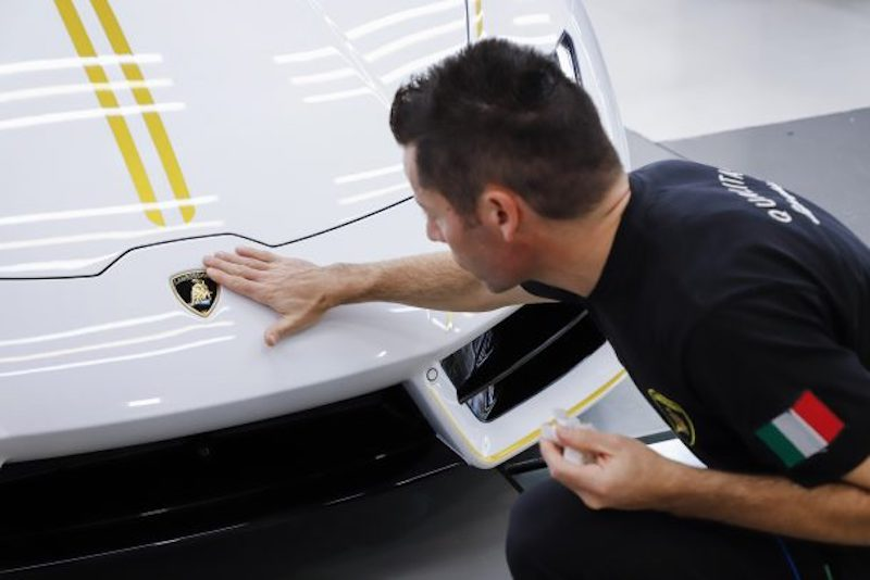 "El espectacular ""Lamborghini Huracán"" blanco del Papa"