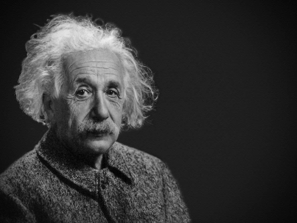 """La carta que Albert Einstein escribió rechazando a """"Dios"""" y la religión se vende por el precio récord de $3 millones en una subasta Christie's"""