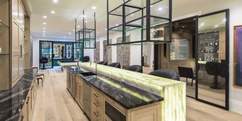 LeBron James ahora es un Laker: Echa un vistazo a su nueva mega mansión que compró por $23 millones en la ciudad de Los Ángeles, California