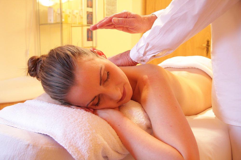 Spa y masajes a domicilio, se puede emprender con poco dinero.