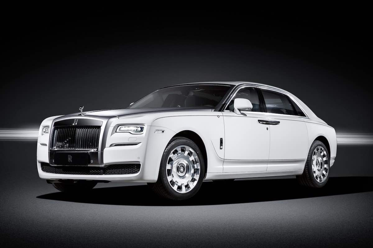 "Rolls-Royce Ghost ""Eternal Love"" Edition, le rinde homenaje al cisne blanco"