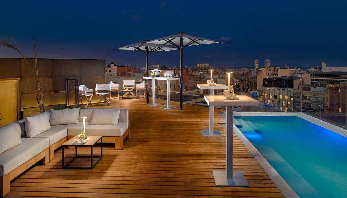 """The One Barcelona propone tres experiencias románticas para disfrutar en pareja de un """"Día de los enamorados"""" inolvidable"""