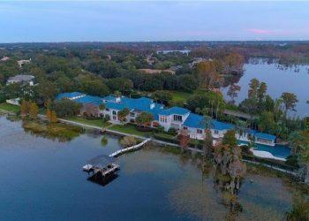 Shaquille O'Neal reduce a $22 millones, el precio de su enorme mega mansión 31.000 pies2 en Windermere, Florida