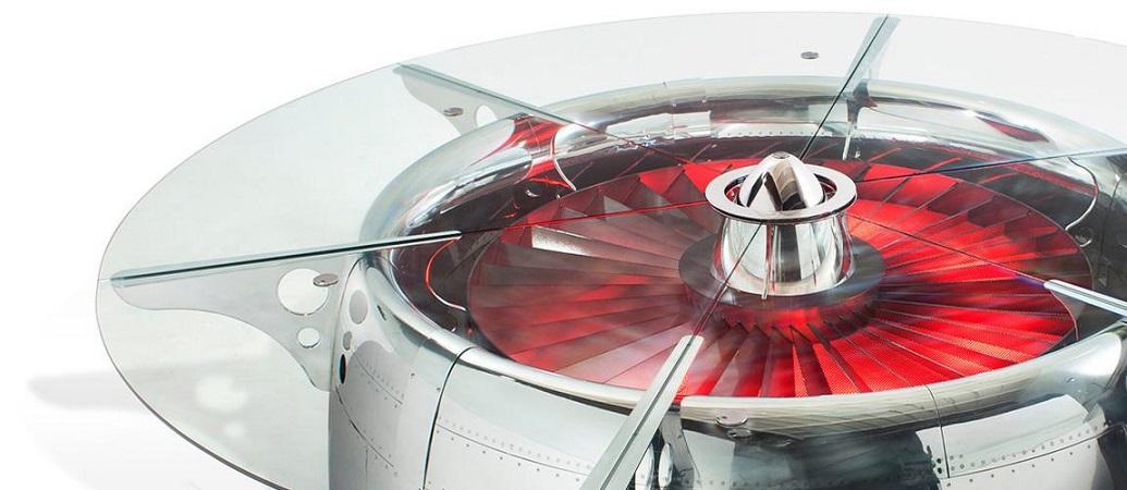 "Espectacular mesa de conferencia hecha de una turbina de un Boeing 747 ""JUMBO JET"" por MotoArt"