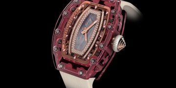 c136dbb0640c ¡Un reloj único que ellas amarán! El Richard Mille Pink Lady Sapphire de ¡