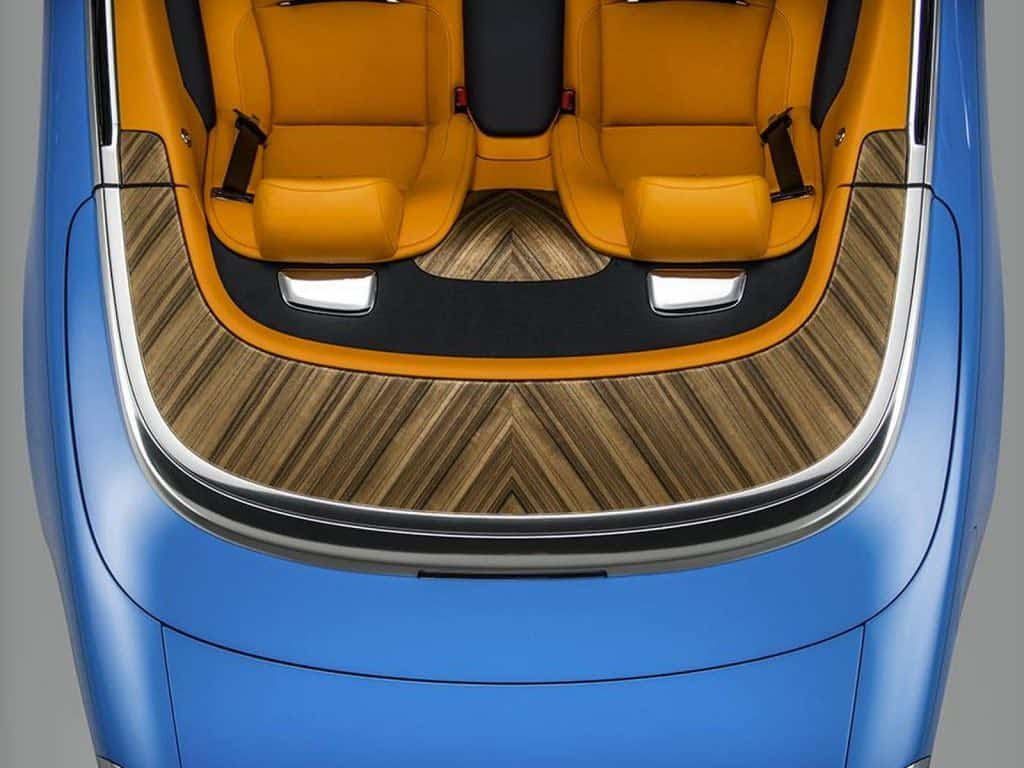 Este Rolls-Royce convertible azul cielo es simplemente ¡HERMOSO!