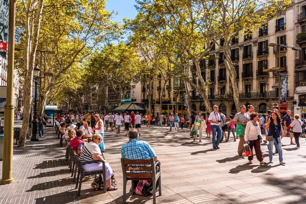 Las principales atracciones turísticas para visitar en España: La Rambla