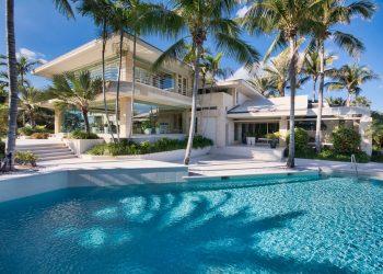 El magnate John Malone compró esta increíble mansión en la Isla Júpiter, Florida por $38 millones