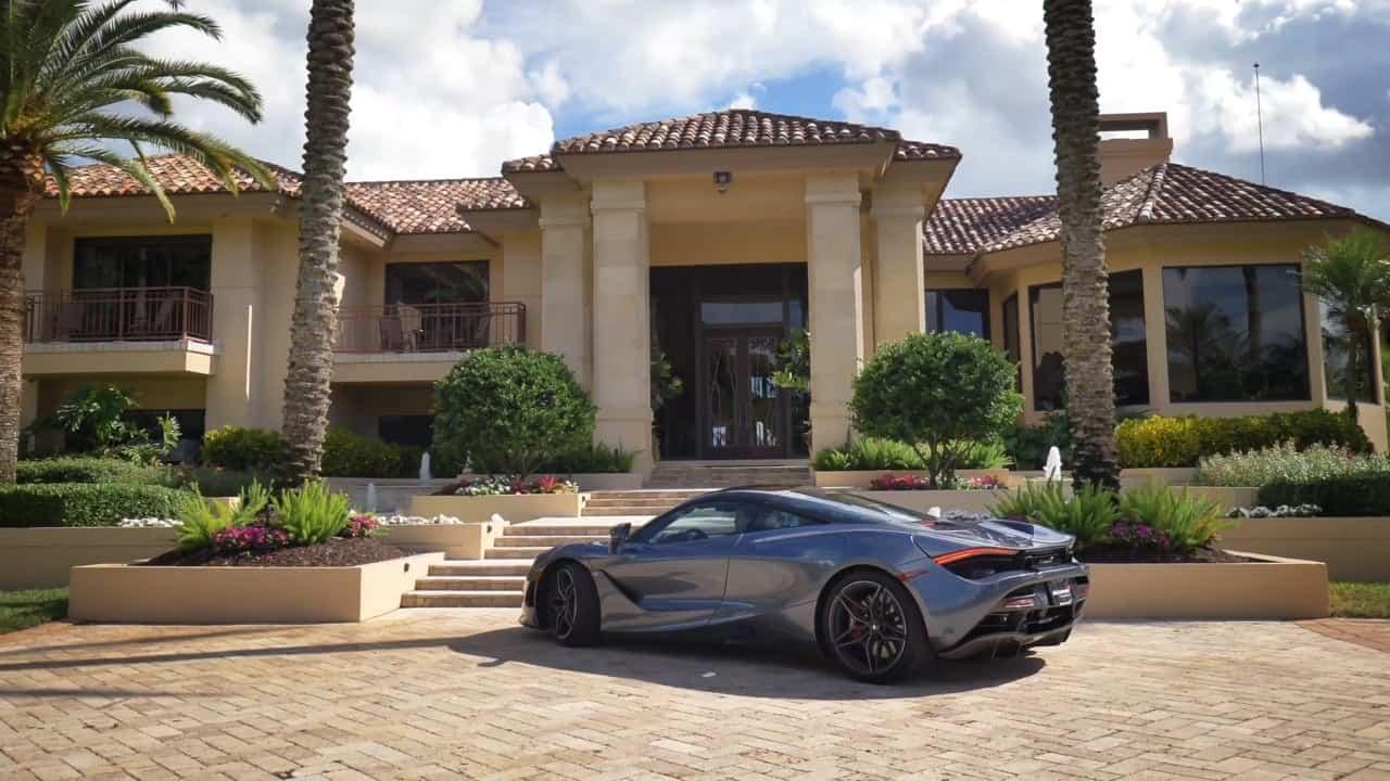 John W. Henry, el multimillonario propietario de los Red Sox y del Liverpool FC pone su enorme mansión en Boca Raton, Florida a la venta por $15 millones