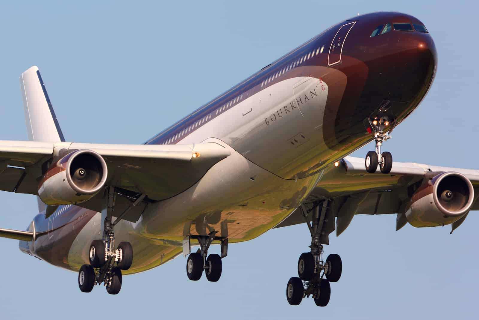Avión privado Airbus A340 de Alisher Usmanov