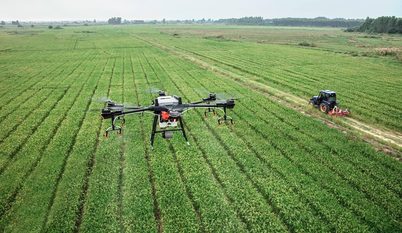 Drones con cámara fabricados en China por DJI.