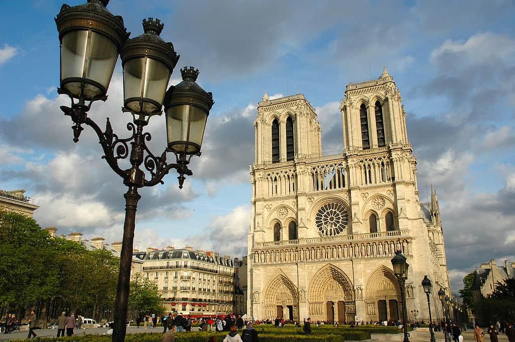 Catedral de Notre Dame en Paris, Francia