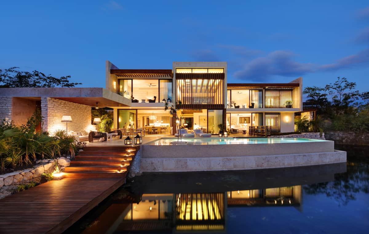 Hospedaje y dominios: Riviera Maya