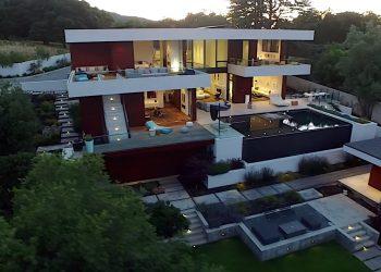 Mega espectacular complejo arquitectónico; La mejor oferta inmobiliaria en 10718 Mora Drive, Los Altos Hills, California.