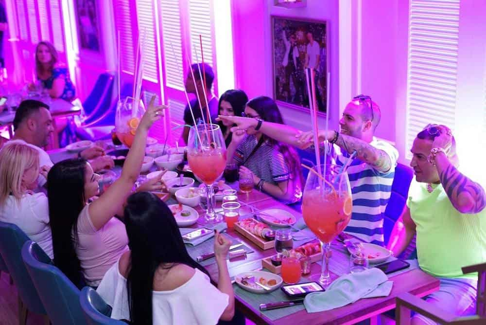 iLov305, Nuevo restaurante de Pitbull en Miami Beach, Florida