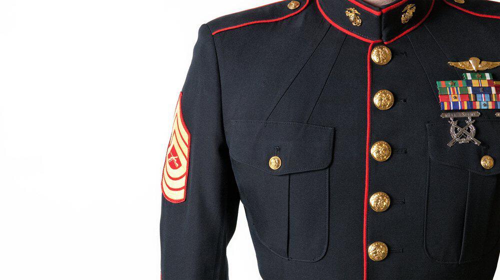 Uniforme militar azul de los marines de Estados Unidos