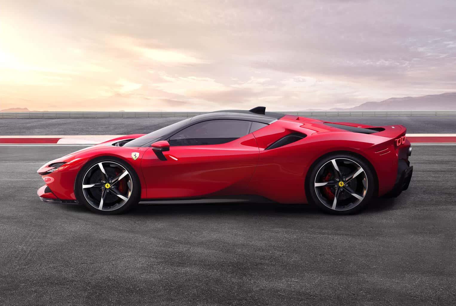 Todo lo que necesitas saber sobre el primer híbrido enchufable Ferrari SF90 Stradale