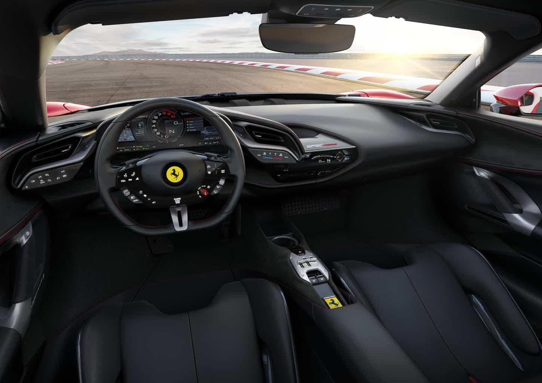 Interior del híbrido enchufable Ferrari SF90 Stradale