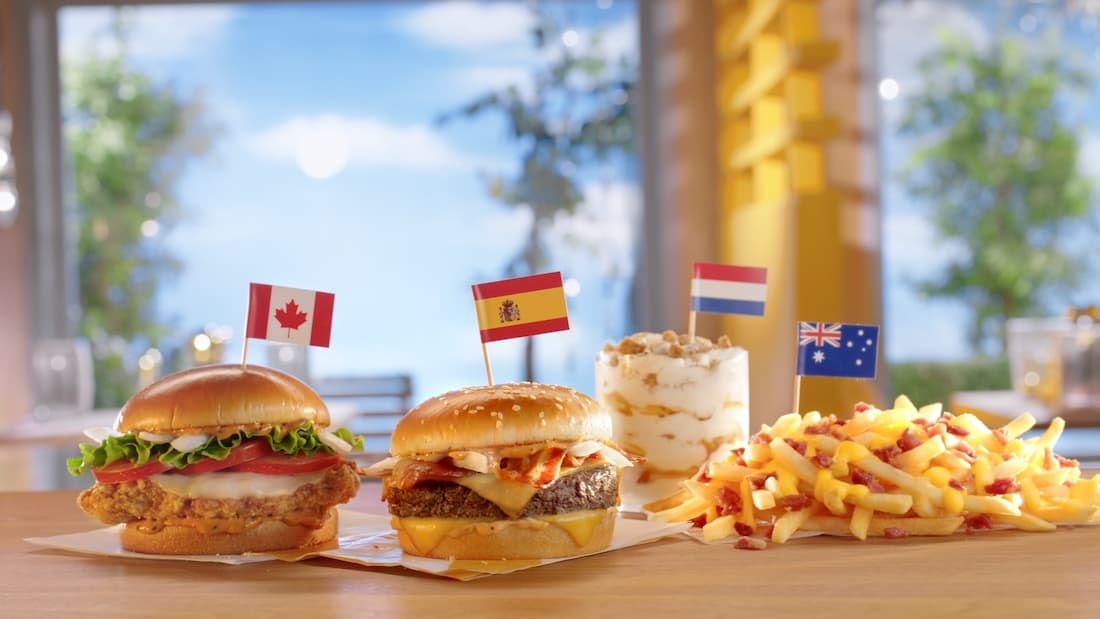 McDonald's acepta monedas extranjeras para celebrar el debut de su menú Worldwide Favorites