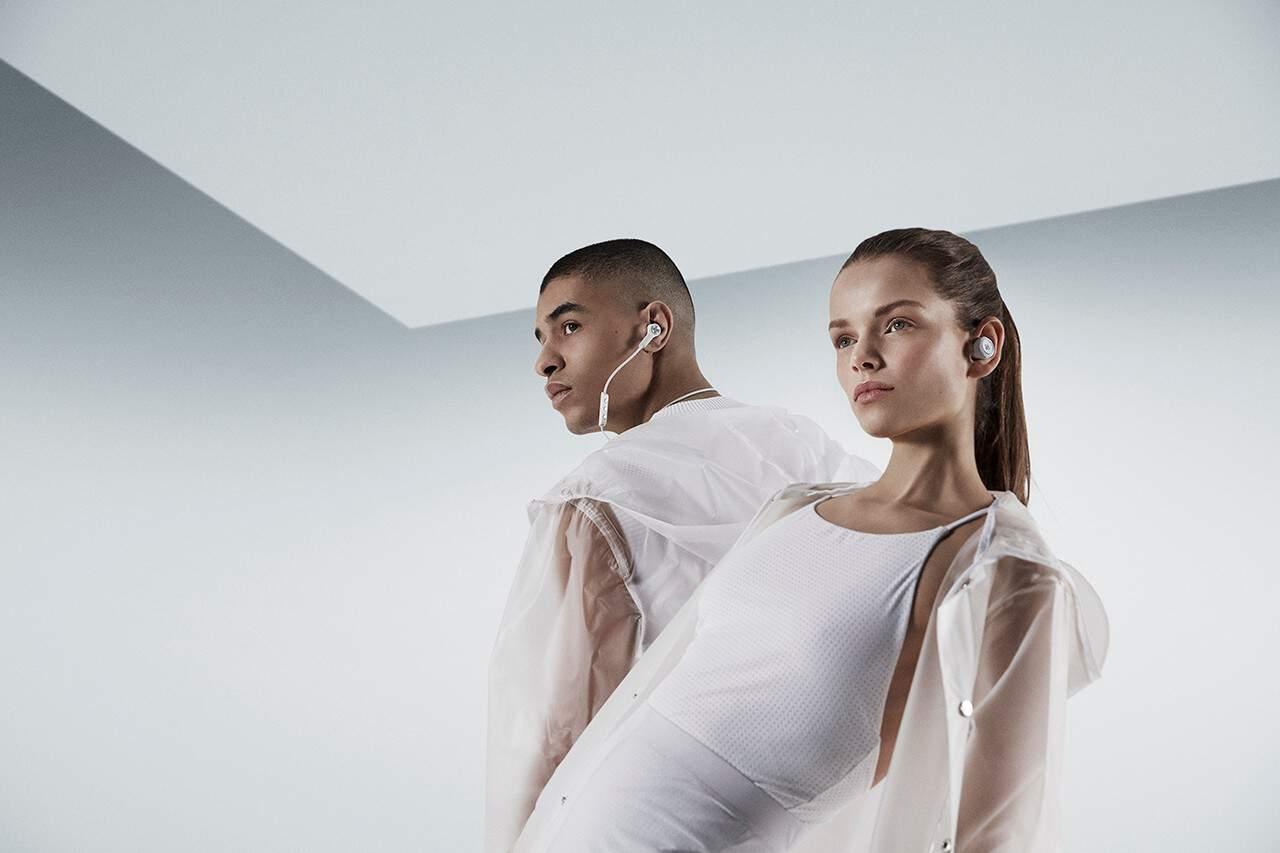 Perfectos y elegantes auriculares inalámbricos Bang & Olufsen para entrenamientos de alta intensidad