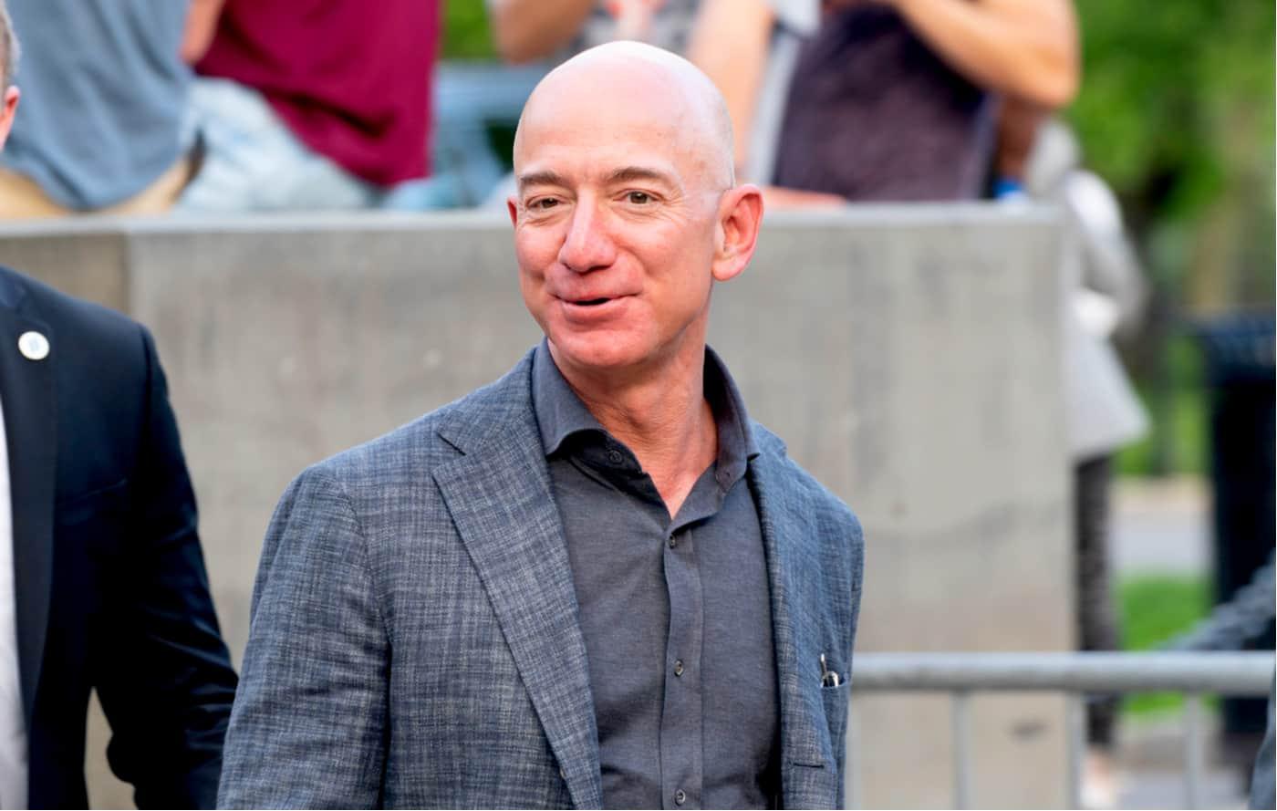 Jeff Bezos, es el número uno entre las 10 personas más ricas del mundo.