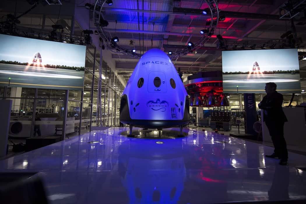 SpaceX Dragon SpaceTrip