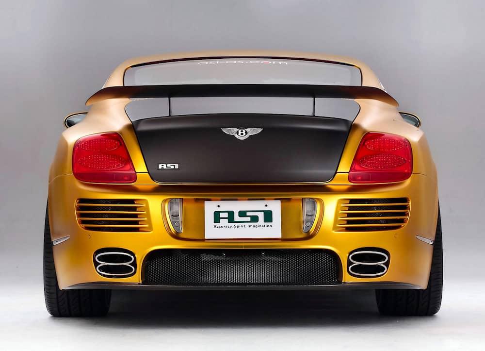 ¡Exclusivo coche de lujo chapado en oro!