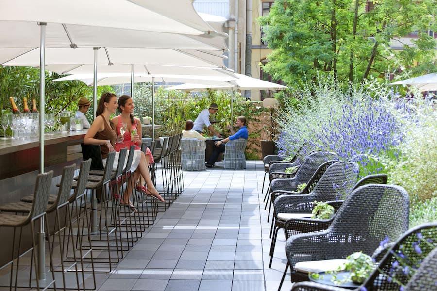 La terraza en el jardín Mimosa, Mandarin Oriental, Barcelona