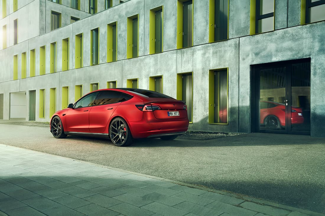 ¡Personalizado con nuevo look deportivo exterior y lujoso interior!
