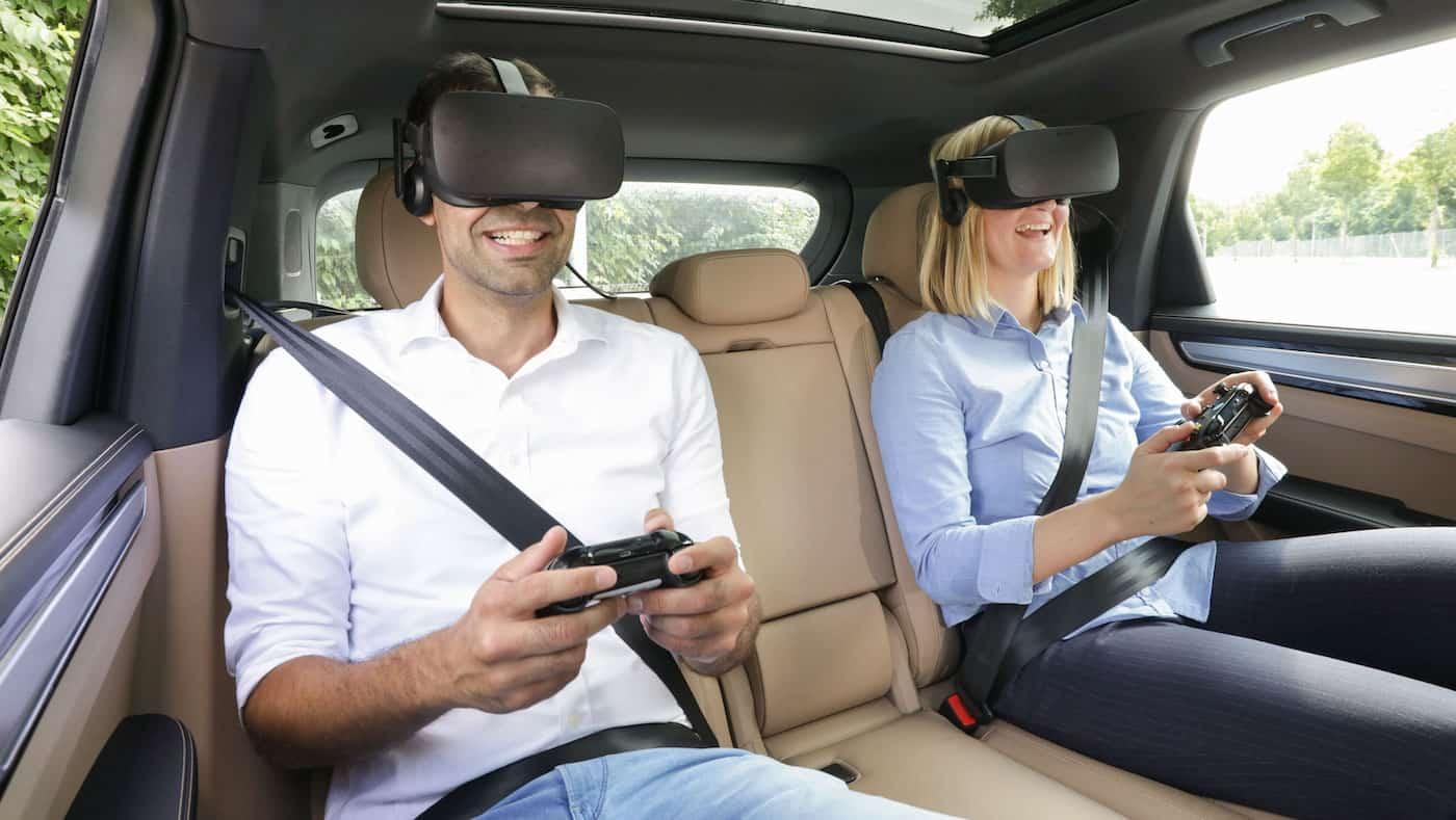 Porsche presenta el sistema holoride de realidad virtual para el entretenimiento de los pasajeros