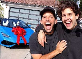 Famoso YouTuber David Dobrik, regala un Lamborghini Huracán a su mejor amigo.