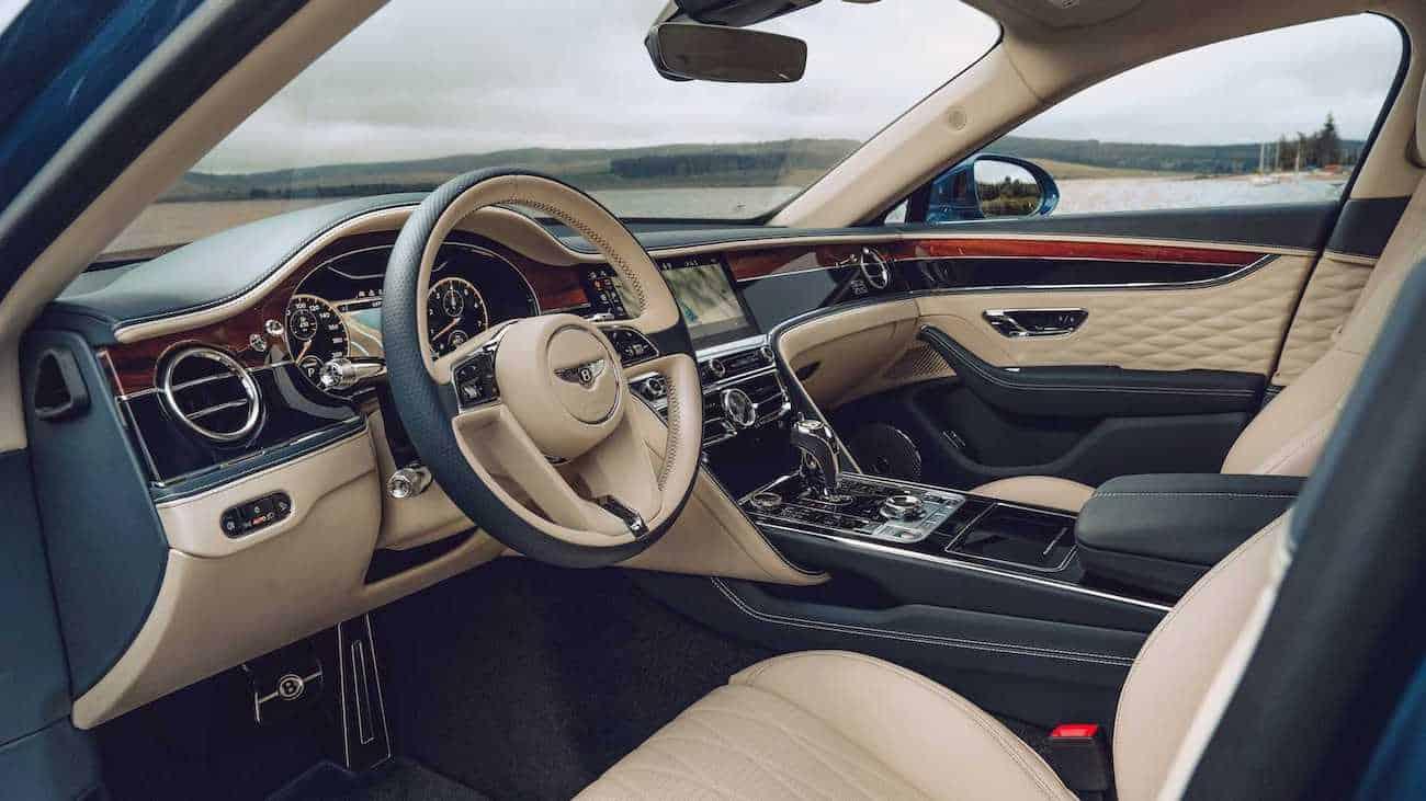 Interior del sedán de lujo