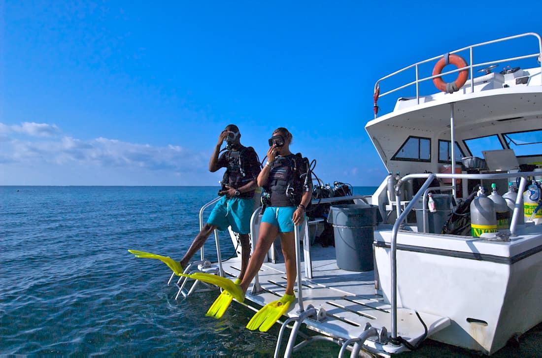 La gran experiencia de bucear un naufragio histórico en las Islas Caimán