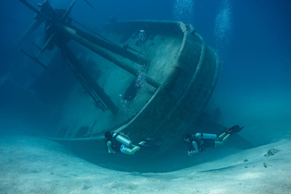 El histórico navío Kittiwake en las Islas Caimán