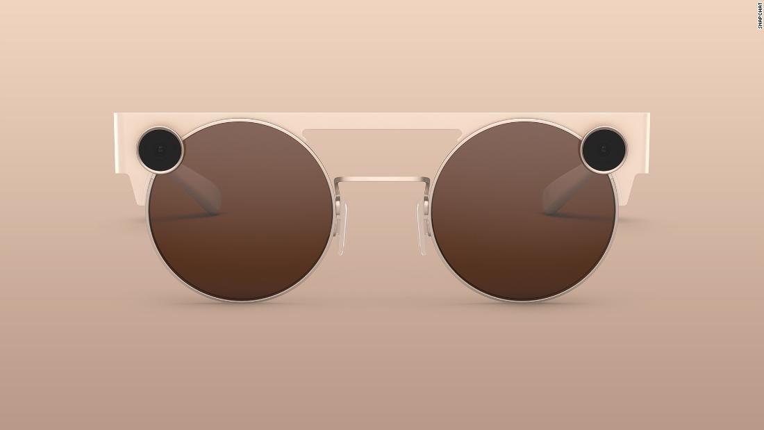 La nueva versión de las gafas inteligentes vienen con una cámara HD y nuevos efectos para crear fotos y vídeos.