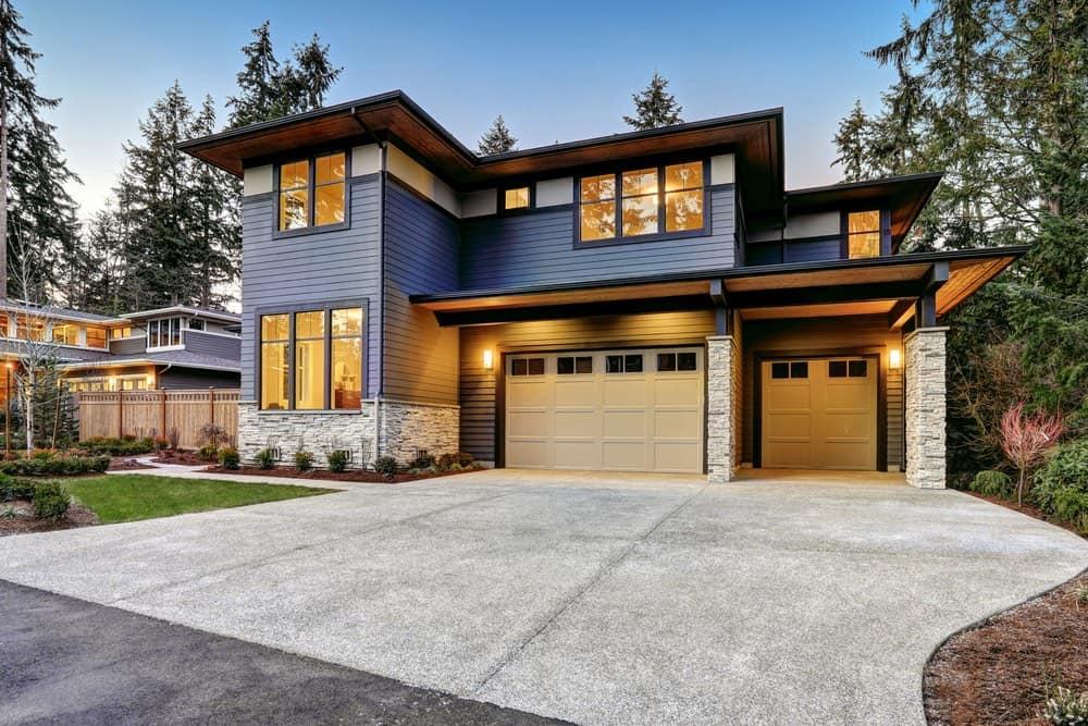 Lujosa casa moderna recien construida en Bellevue, Washington.